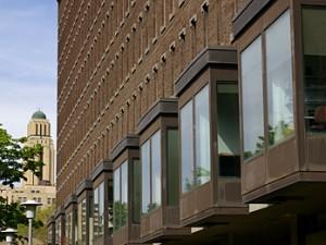 Pavillon Lionel-Groulx de l'Université de Montréal (source).