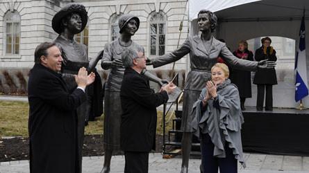 Inauguration des statues de Thérèse Forget-Casgrain, Marie Lacoste Gérin-Lajoie, Idola Saint-Jean et Marie-Claire Kirkland devant l'Assemblée nationale à Québec (source).